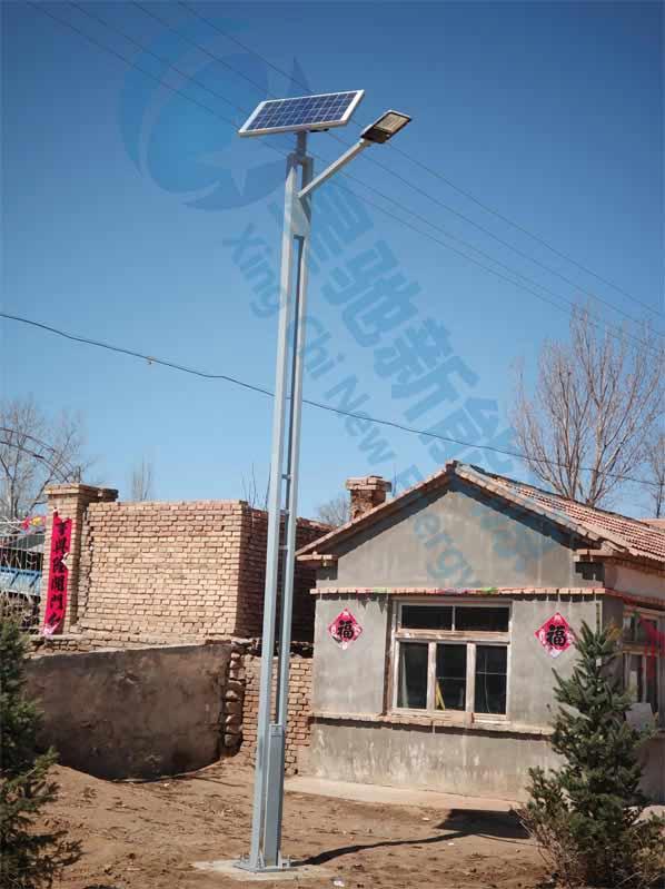 内蒙赤峰6米太阳能路灯