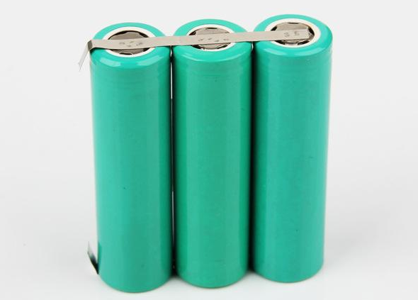 12v/24v太阳能储能电池厂家报价