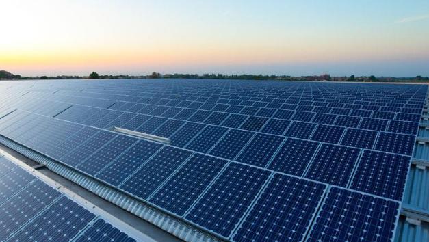 厂房屋顶太阳能光伏发电多少钱呢