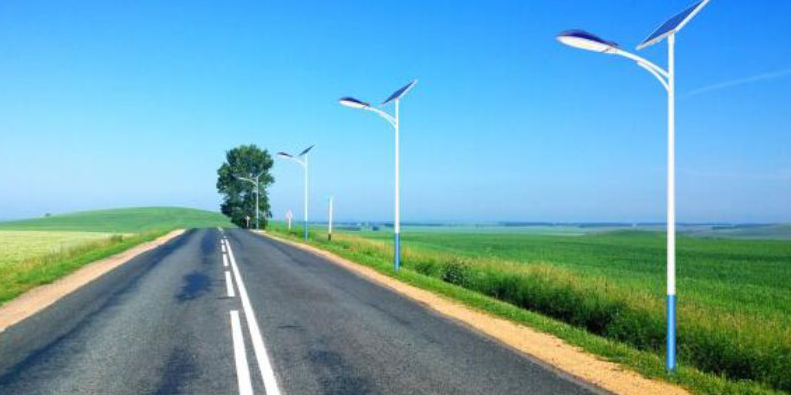 保定太阳能路灯价格表/多少钱