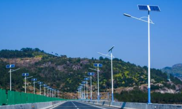 公路太阳能路灯价格