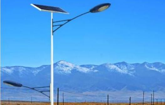 农村太阳能路灯一般多少瓦