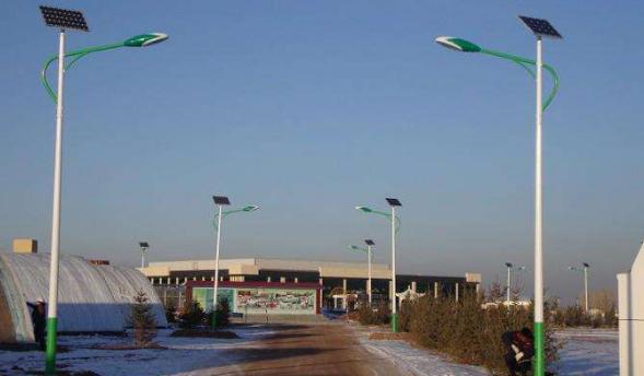 乡村太阳能路灯多少钱一盏