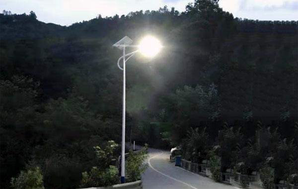 6米太阳能路灯厂家价格